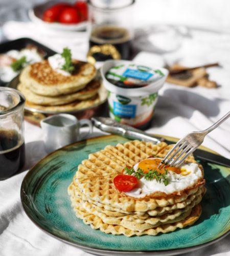 Waffles pufoase cu crema de branza