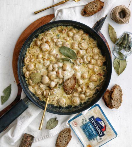 Ciuperci Champignon cu sos Roquefort