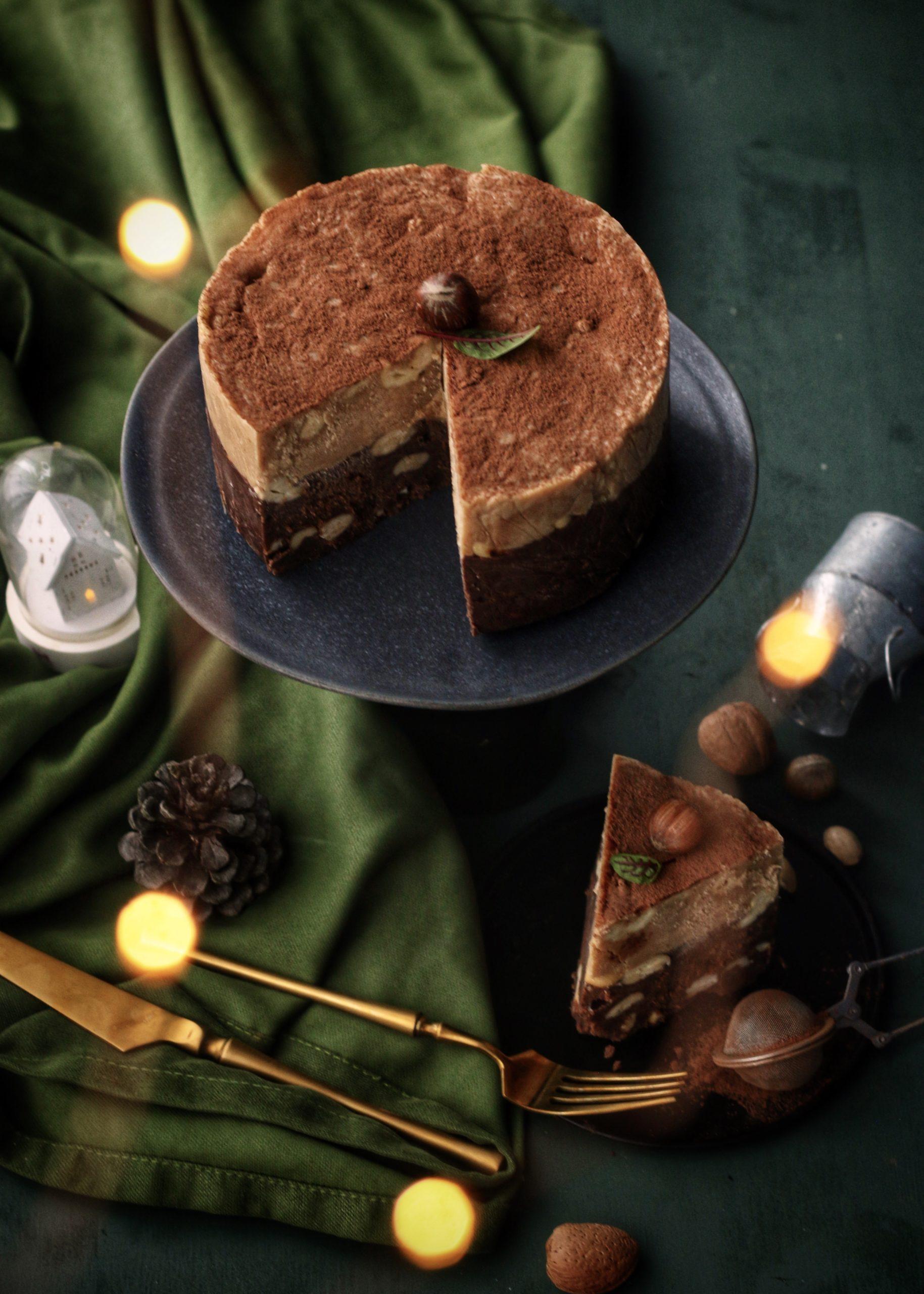 Ciocolata de casa in doua culori <br> cu caju si aroma de cafea